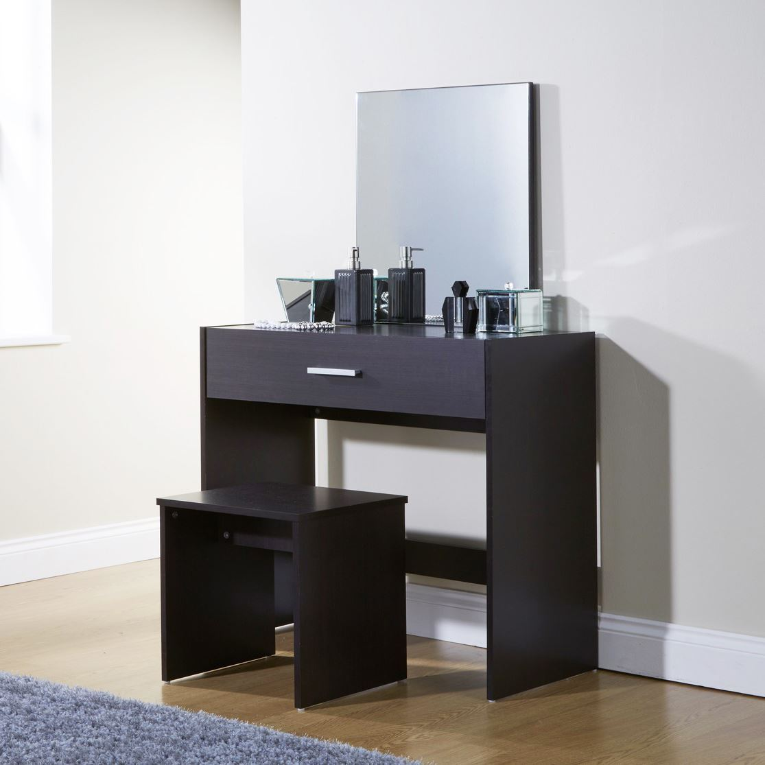 Simple julia espresso dressing table set vanity desk stool for Simple dressing table