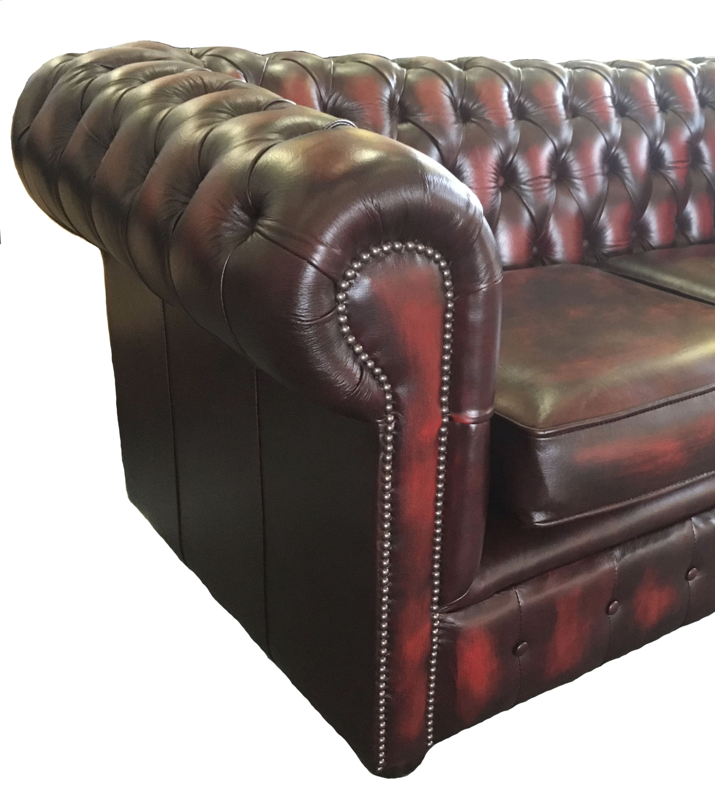 lit canap chesterfield en cuir v ritable duex places. Black Bedroom Furniture Sets. Home Design Ideas