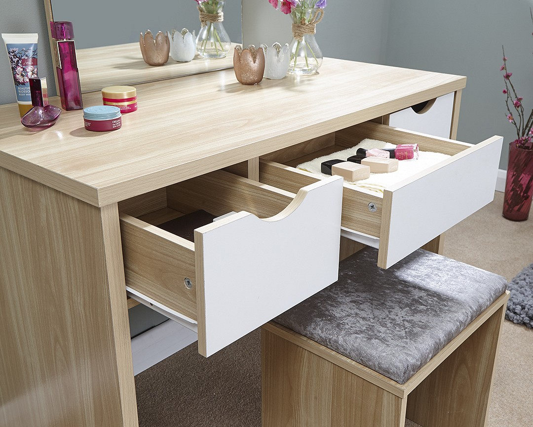 Shabby Chic Contemporary Elizabeth Dressing Table Set In