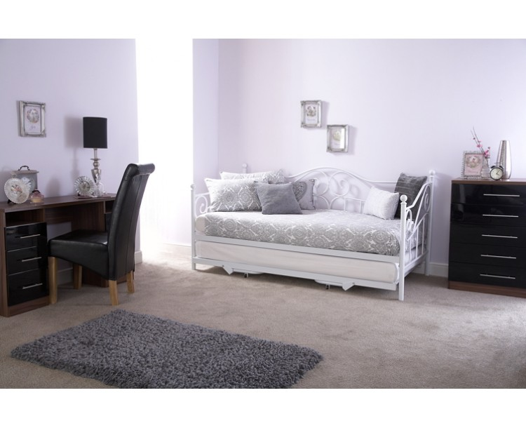 Madison White Swirl Day Bed with Pull-out Trundle Bed